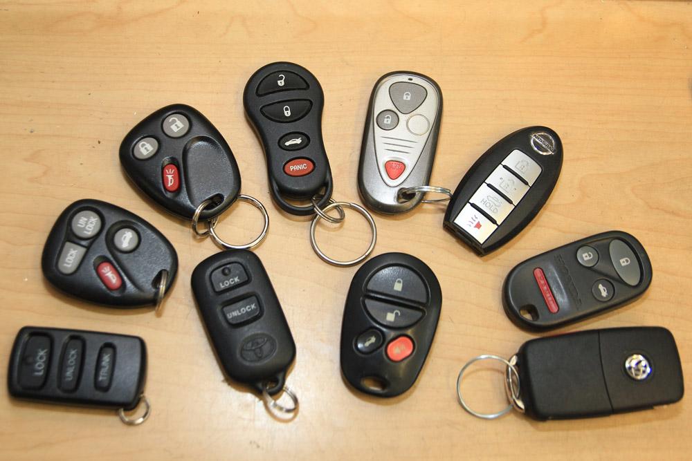 Plaza-Locksmith-Ventura-Key-and-Locks-Automotive-Key-FOB